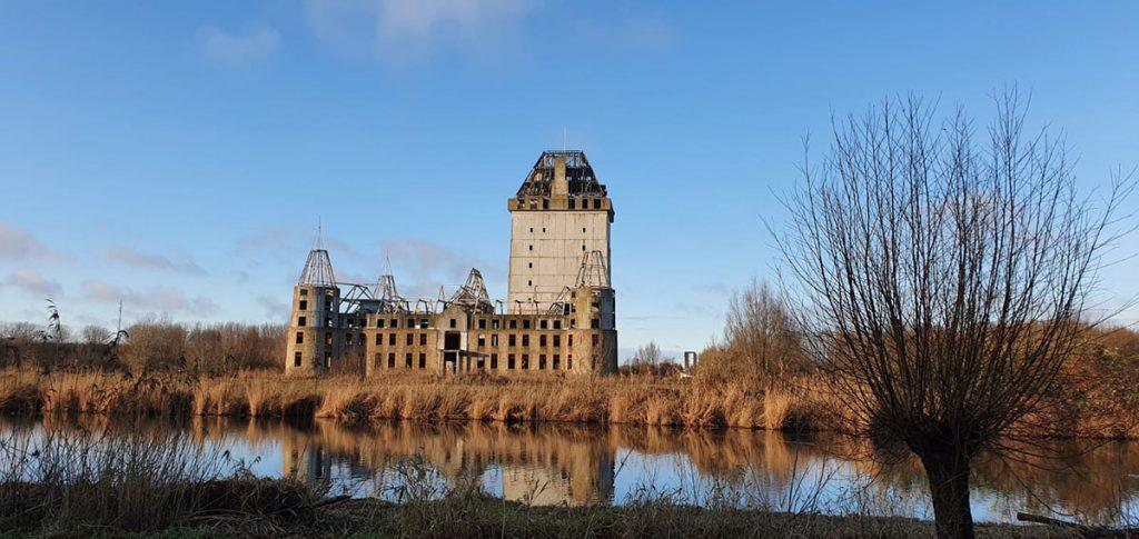 Kasteel Almere, in Waterlandse Bos